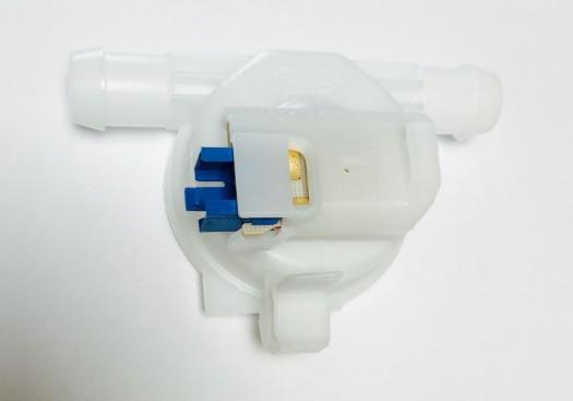 Whirlpool / Bauknecht Flowmeter voor wasmachine witgoedpartsnr: 481227118011