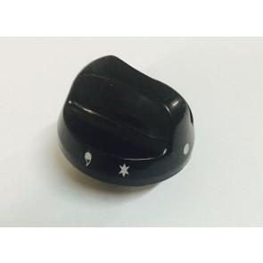 Witgoedparts kenmerk: Knop zwart  Wordt gebruikt in diverse Atag / Pelgrim / Etna OST950MASK, OKW950, OKW990, OST950, OKW953  Inhoud:  1 stuks